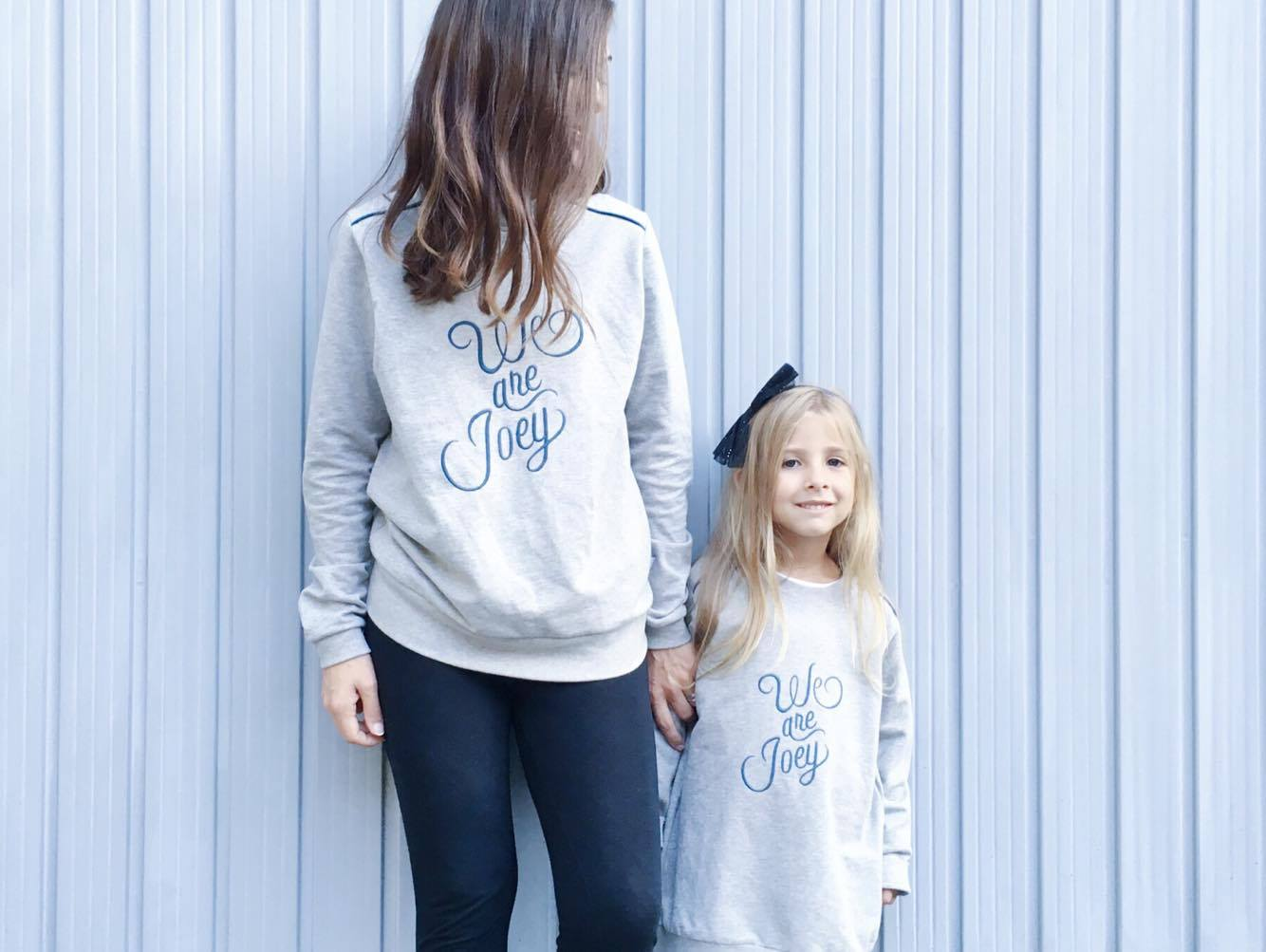 Io, lei, un sweatshirt: WE ARE JOEY