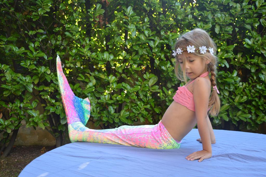 Realizzare il sogno delle bambine con una coda da sirena