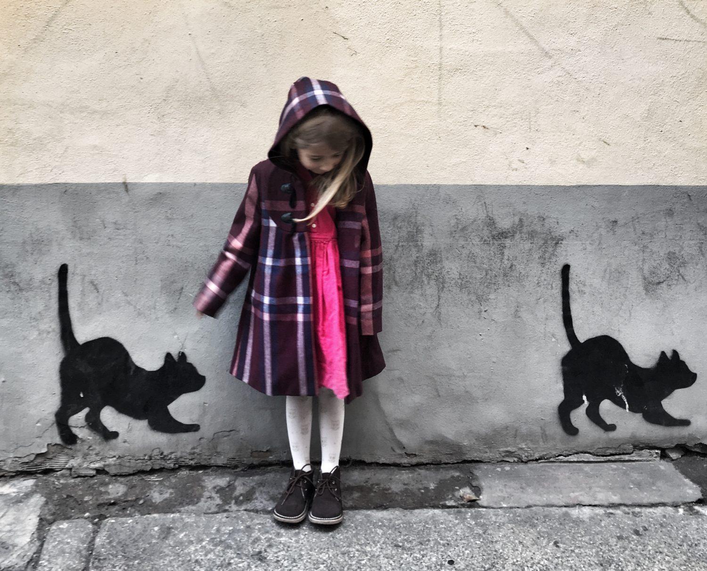 Vestire i bambini con abiti griffati ma low cost: si può?
