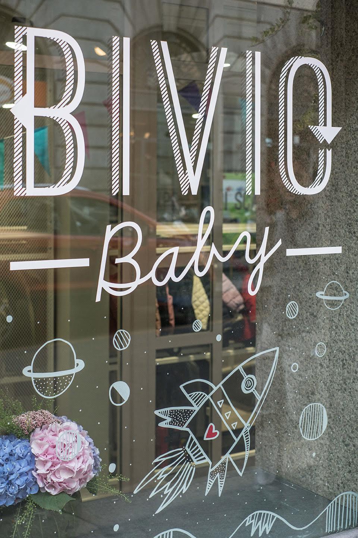 """... di comprare vestiti di qualità già """"usati"""" o meglio pre posseduti. Un  negozio molto noto nel cuore di Milano dove scovare vestiti di accessori  firmati a ... d73e716b151"""