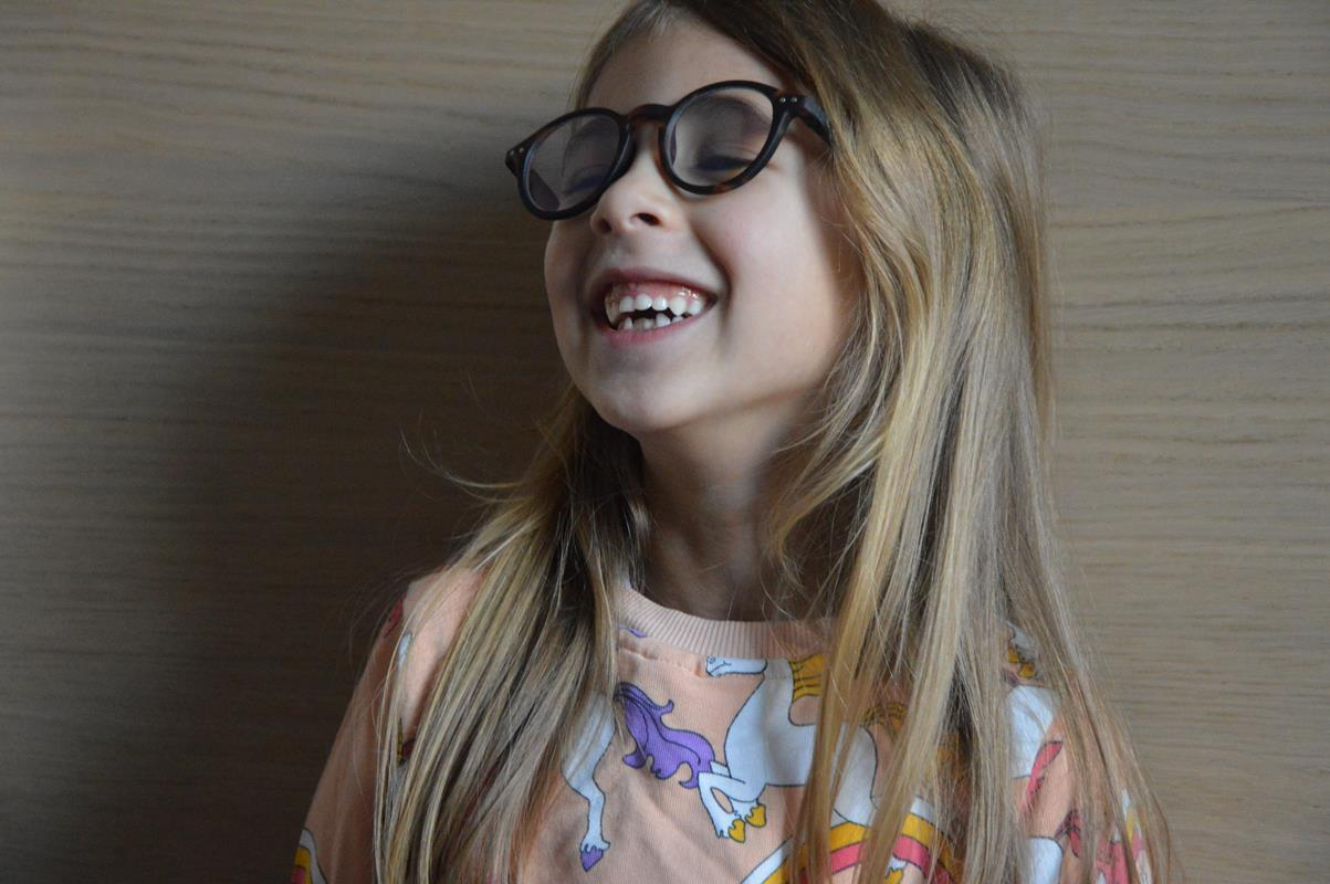 Bambini e occhiali