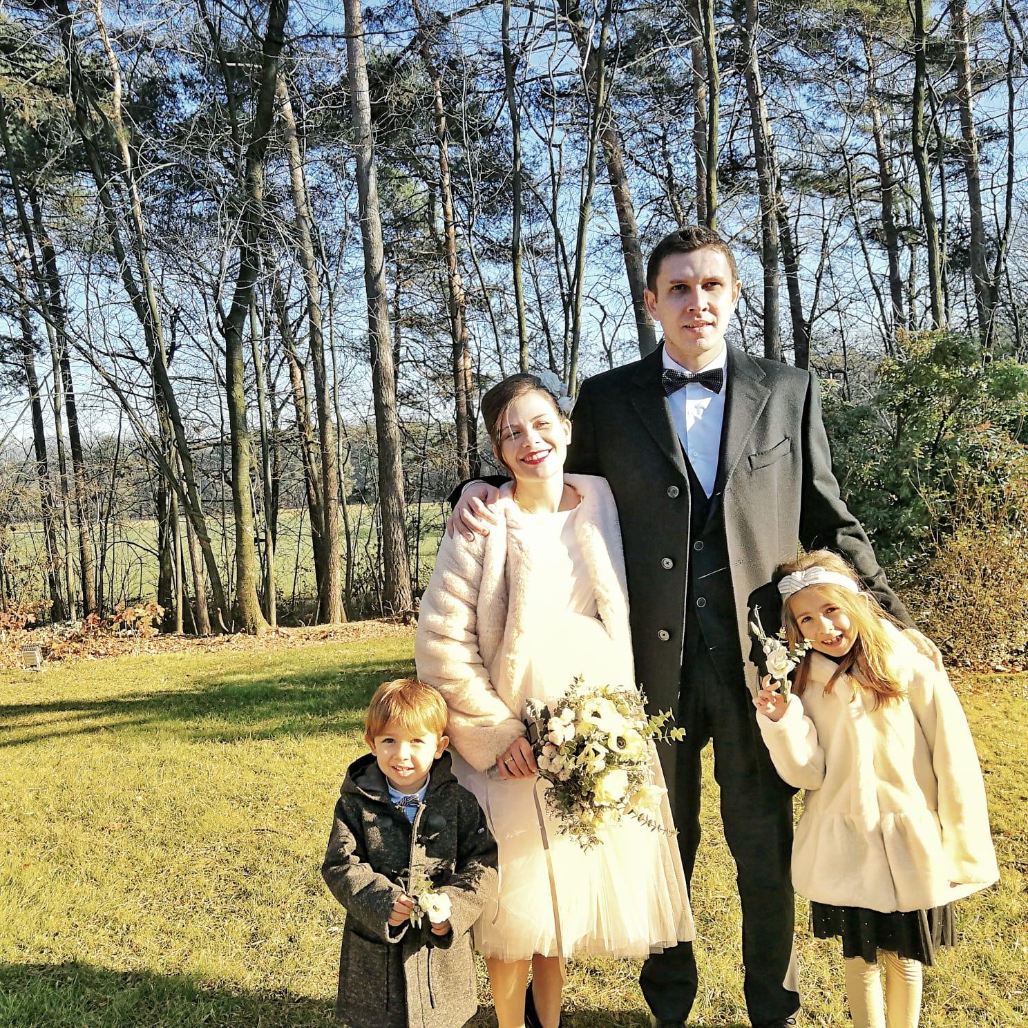 L'abito da sposa per un piccolo matrimonio con il pancione