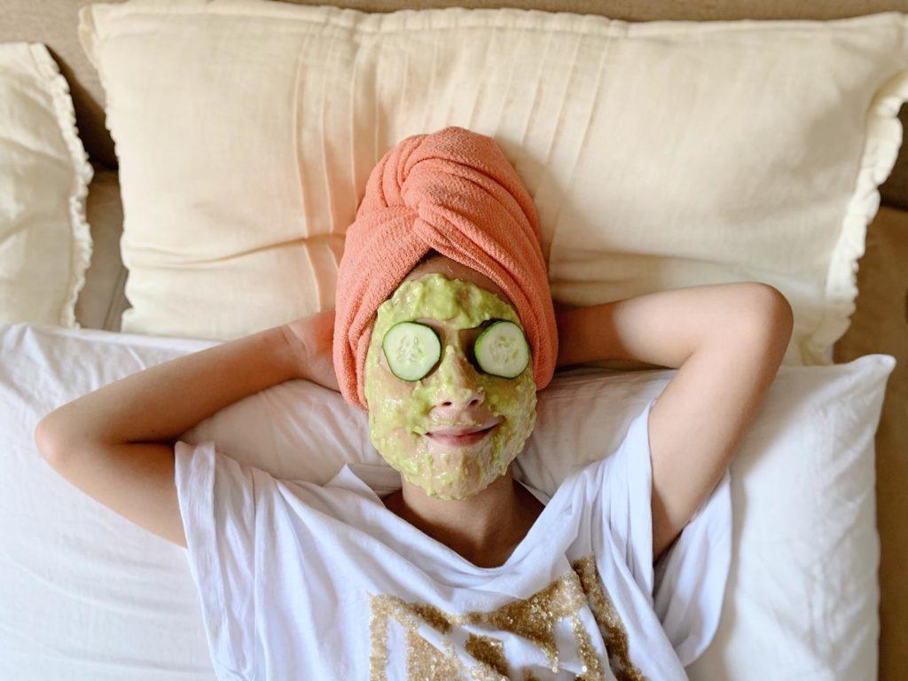 Maschera e scrub fai da te a misura di bambini con prodotti naturali degli ipermercati Iper.