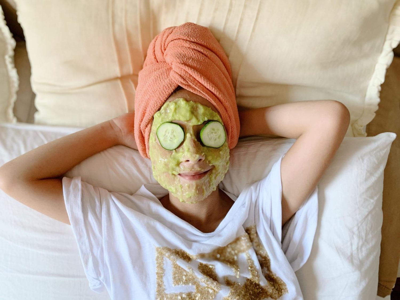 Maschera e scrub fai da te con i bambini utilizzando i prodotti Iper